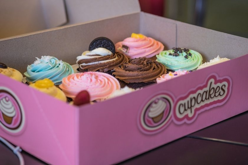 box-of-cupcakes-1066827_960_720